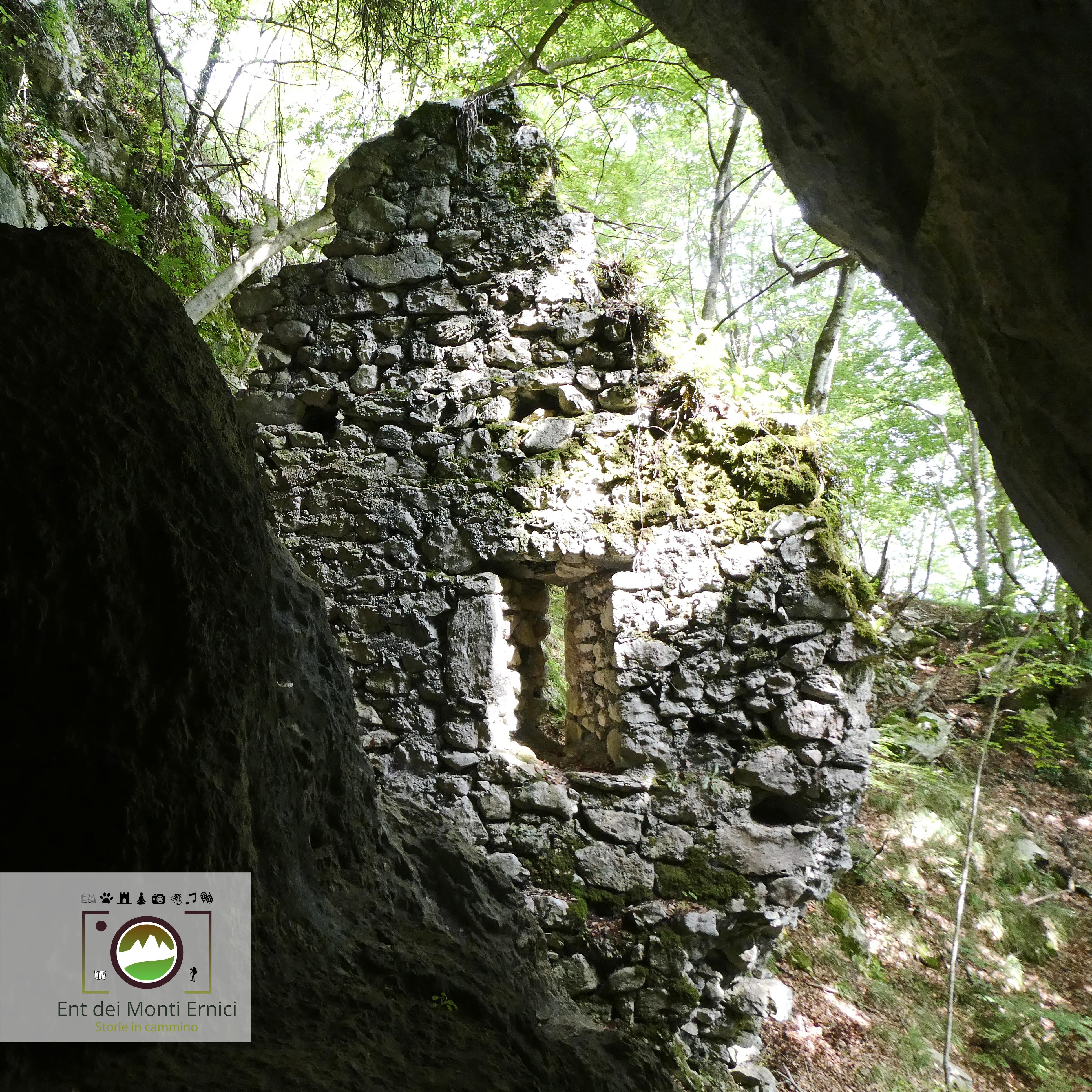 San Michele Arcangelo dalla grotta