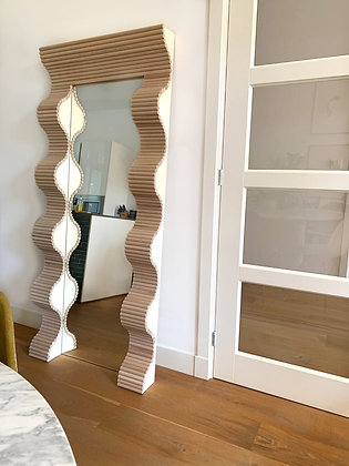 Maja Mirror