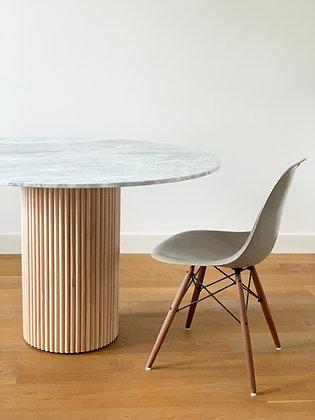 Yuki Table