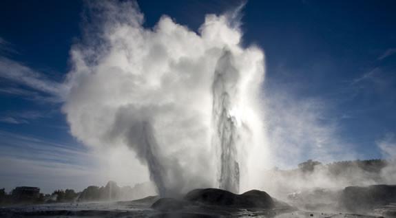 pohutu-geyser-4_fs.jpg