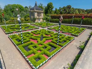 hamilton-gardens_tudor-garden.jpg
