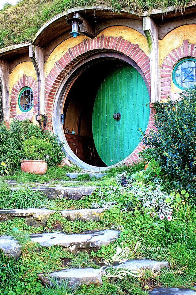 Hobbit hole.jpg