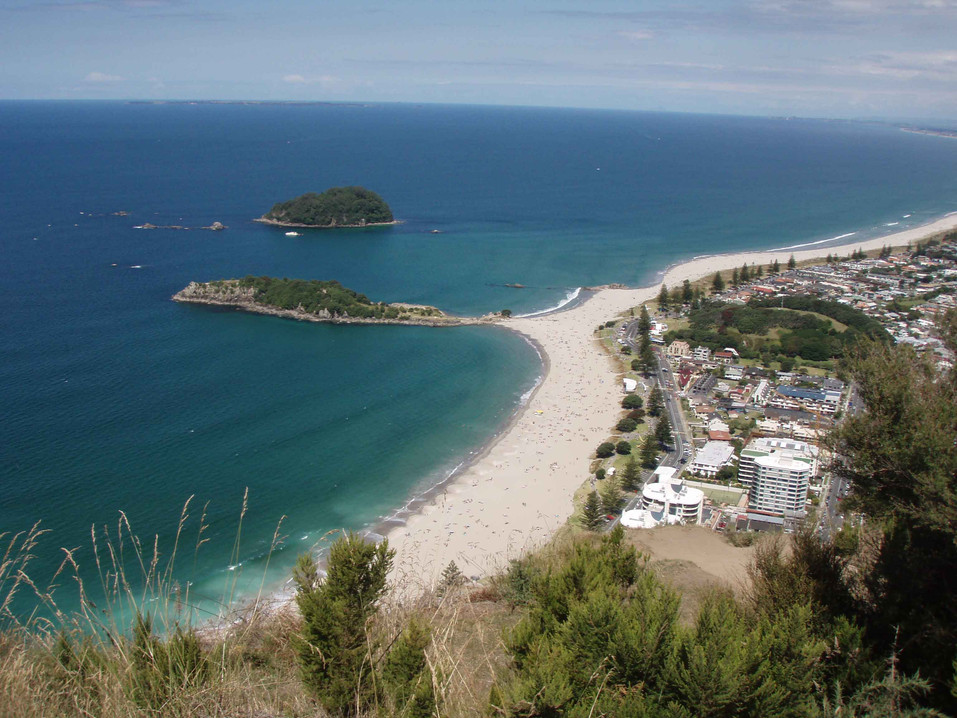 Mt%20Manganui%20Beach.jpg