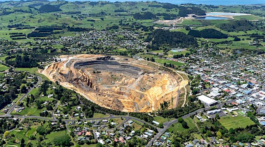 Waihi Gold Mine Pit.webp