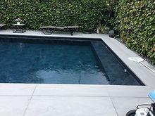 piscina con lamina armada negra, coronam