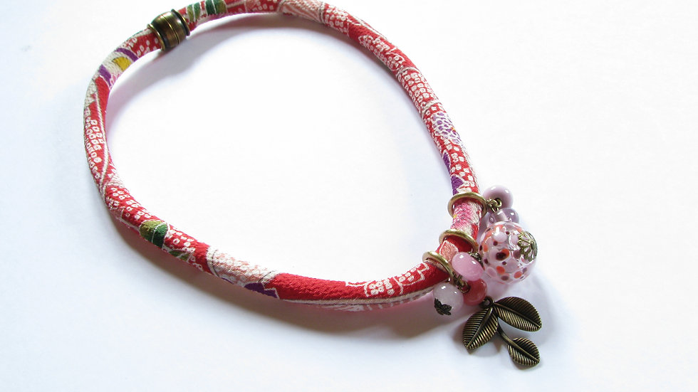Collier Japon rose