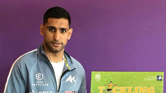British Boxing World Champion Amir Khan showing his support for our campaign, and our determination to be 'Tackling Knife Crime Together'.