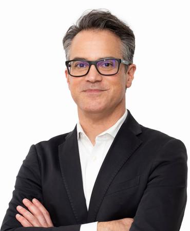 Dr. César Sierra