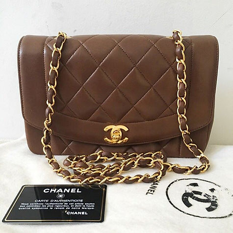 Who's loving this brown Lambskin Diana flap from the past_! 💍 oh lord.jpg