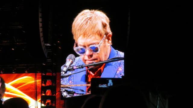 Mackay hosts first concert on Elton John's Regional Cities Tour