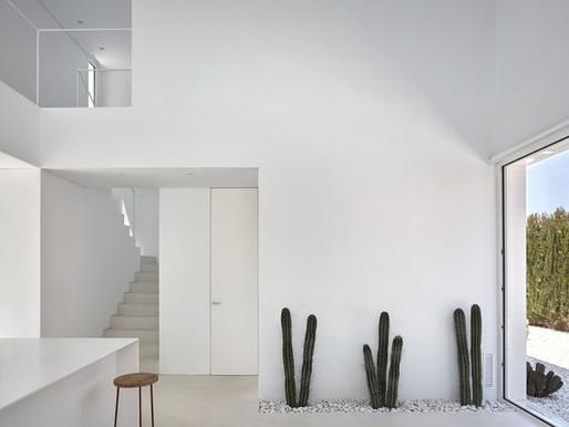 Factores a considerar en el diseño de un espacio con color base blanco.