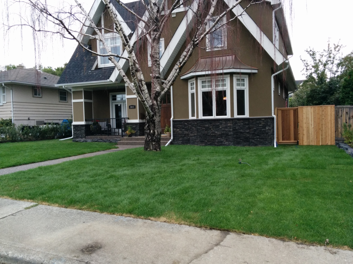 Front Yard Lawn & Fence Installation