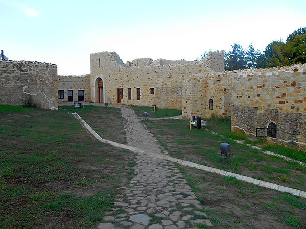 the-fortress-of-suceava-2106720_960_720.