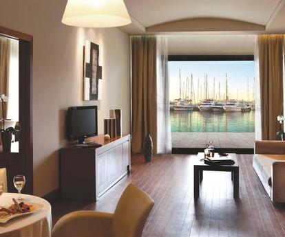 Sailor-Suite-Living-Room-1-1024x682.jpg