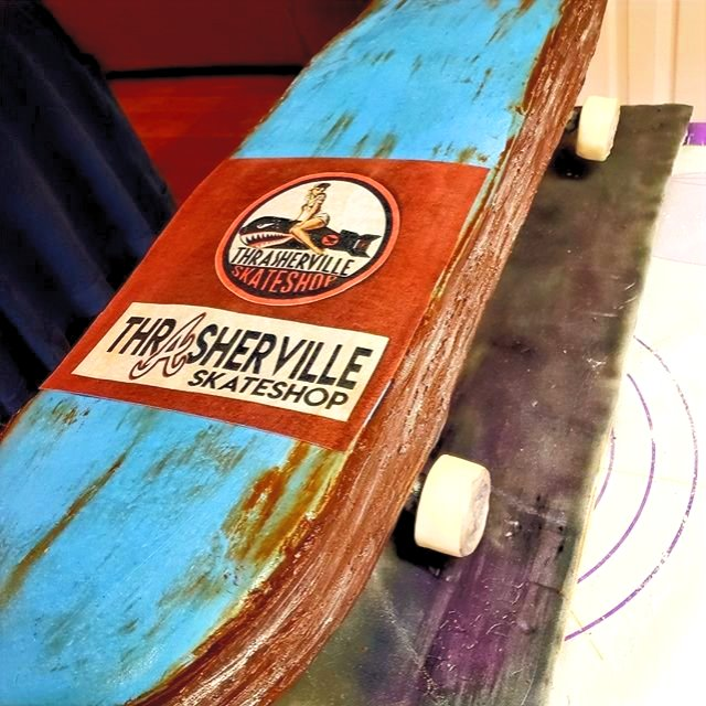 Sculpted skateboard cake