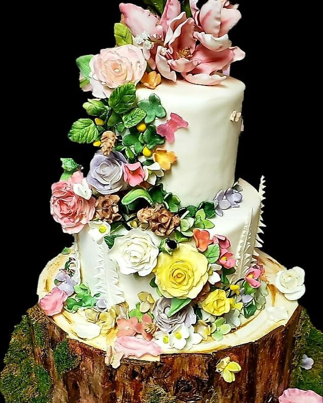 3 tier fairytale wedding cake