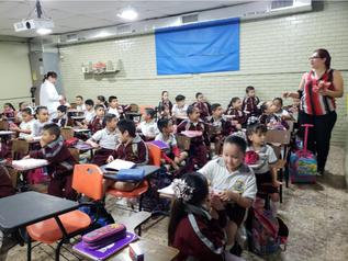 Entrega de pastas y cepillos en escuelas publicas de Reynosa.