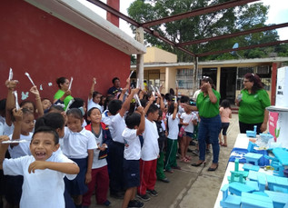 Pláticas de cultura bucal en la comunidad de Uzahzil-Edzna, Campeche.
