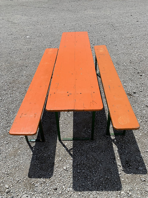 Authentic Oktoberfest Table & 2 benches ( all folds)