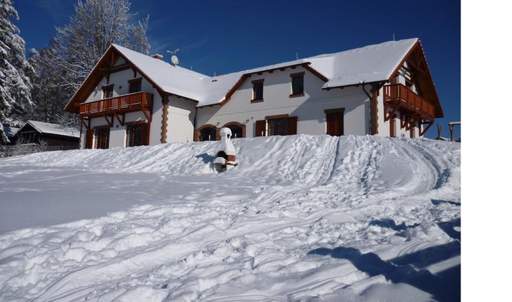 Villa Victoria - Winter 1.jpg