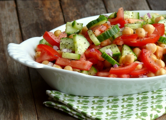 6  Cumcumber-Tomato-and-Garbanzo-Bean-Sa