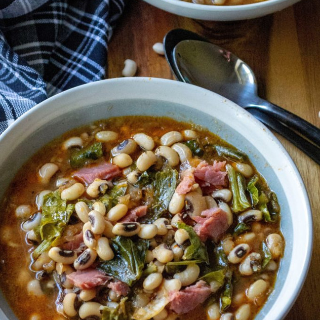 Slow-Cooker-Black-Eyed-Peas-and-Collard-