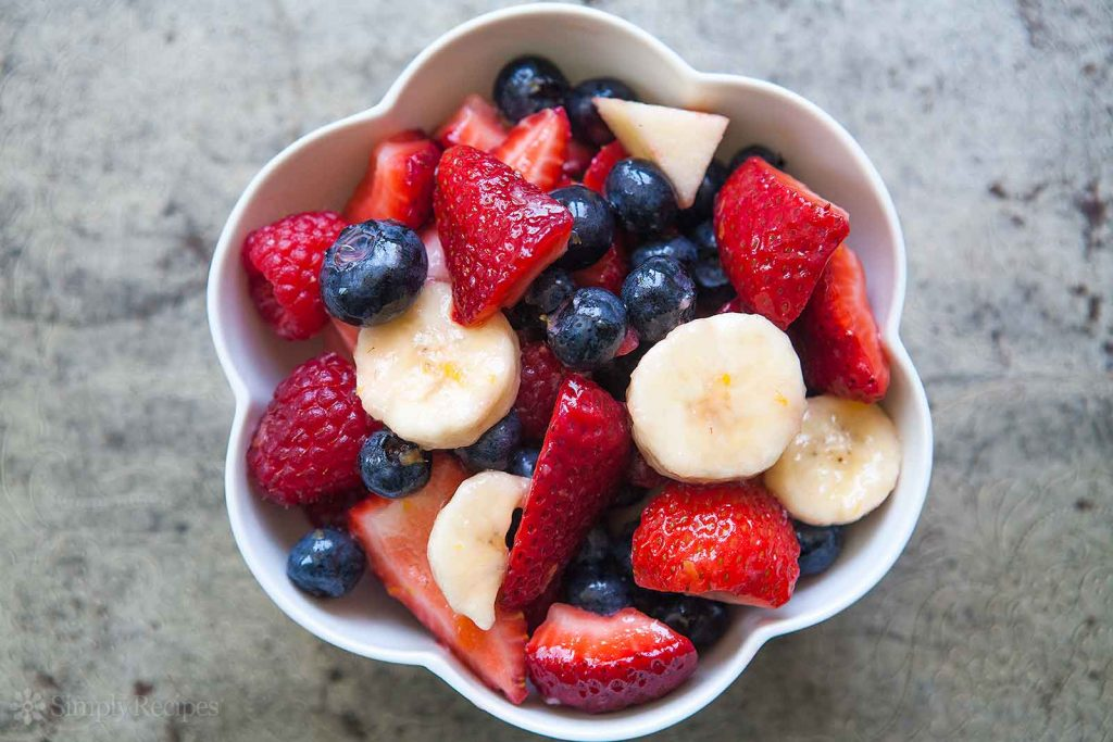 8 berries-banana-fruit-salad-horiz-a-160