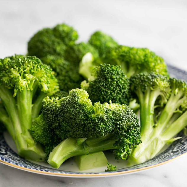 2a steamed-broccoli-horiz-b-2000