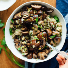 111 roasted-mushrooms-with-herbed-quinoa