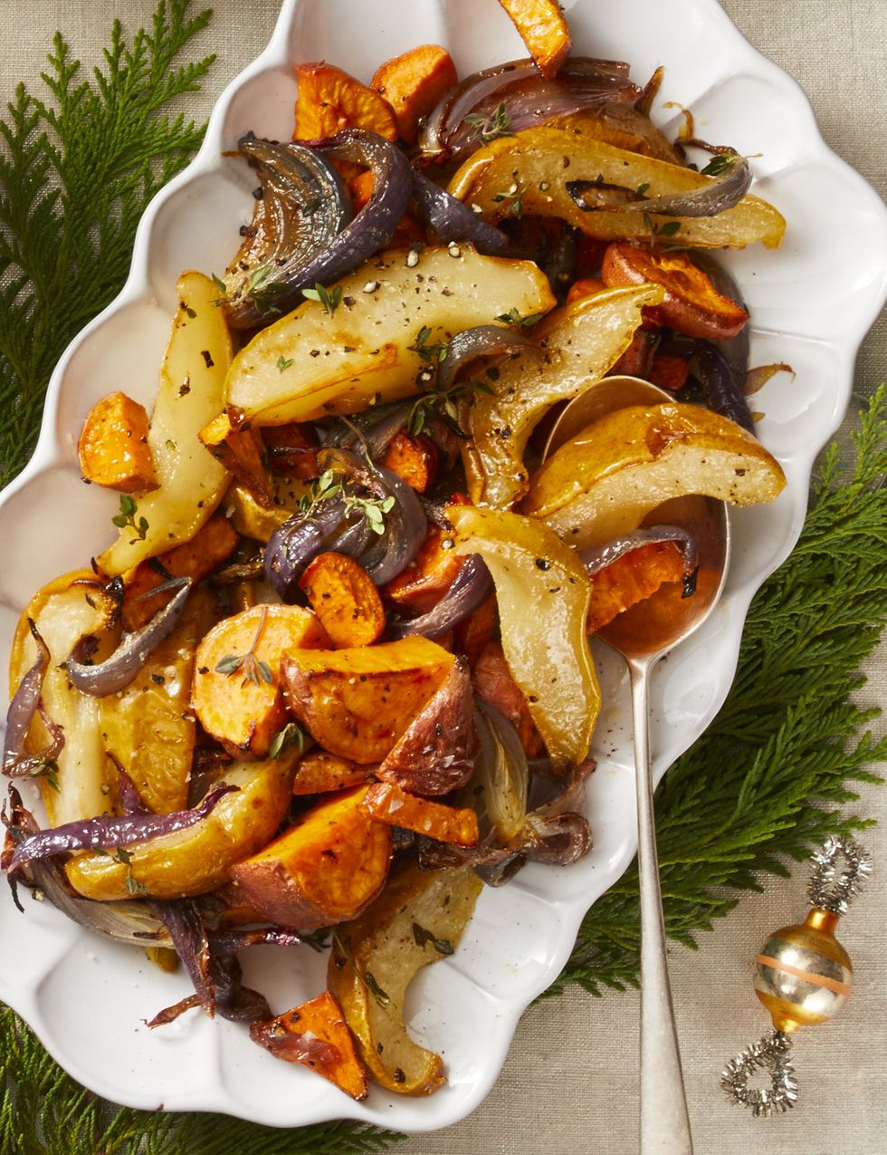 3 roasted-sweet-potato-pear-red-onion-gh