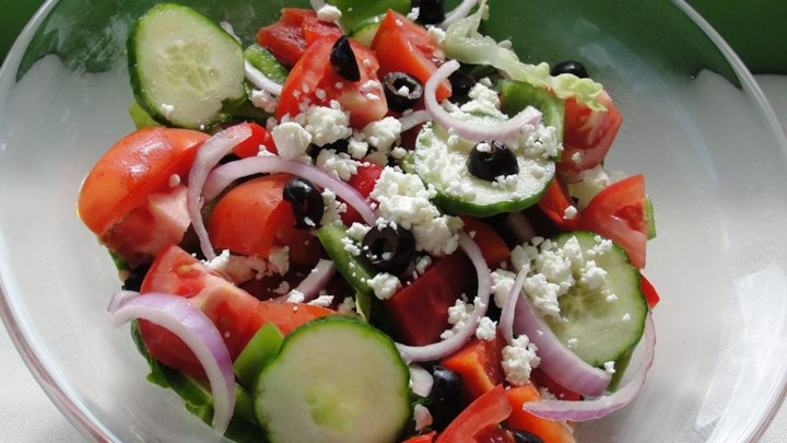 1 greek salad 827520