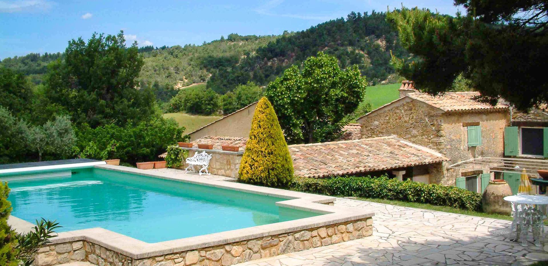 Pool&House.jpg