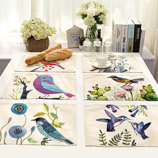 4 Table Napkins / Placemats