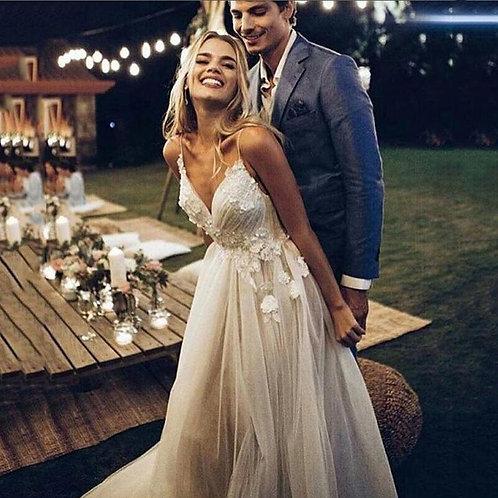 Boho Wedding Dress Appliqued With Flowers A-Line Backless