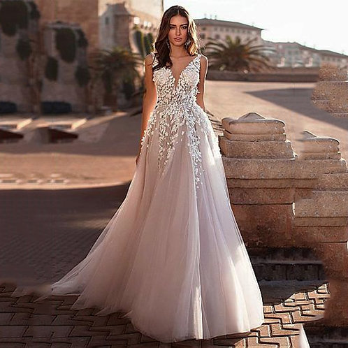 Boho Wedding Dress V-Neck  A-Line Lace Applique