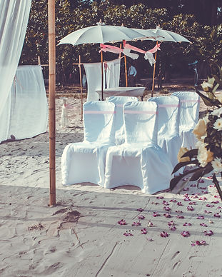 beach-wedding-P3P2YUZ.jpg