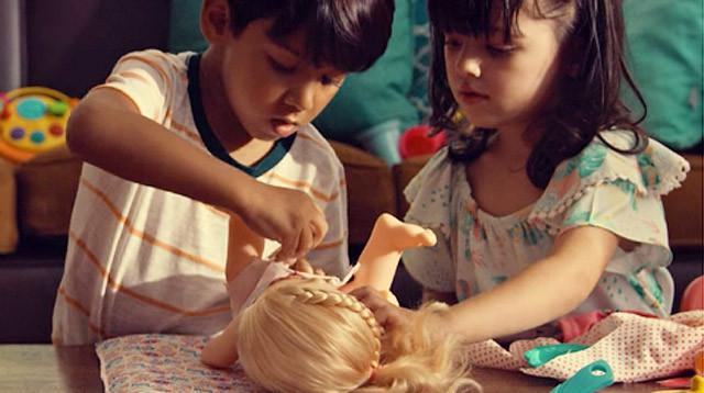 boys-girls-playing-with-dolls.jpg