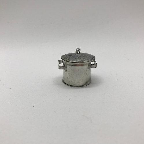 Cocotte en fer blanc miniature 1:12, maison de poupée