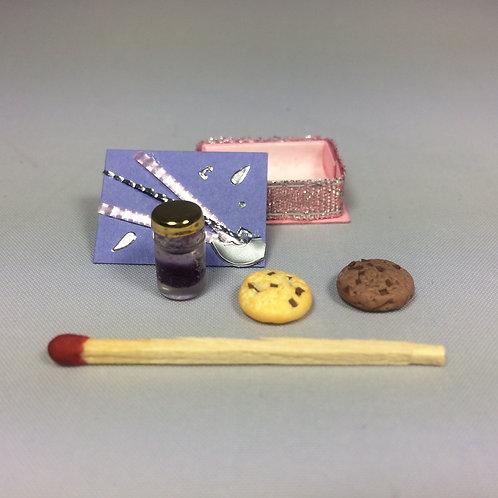 Boîte cadeau cookies et confiture, maison de poupée