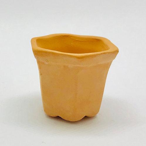 Pot de fleurs hexagonal