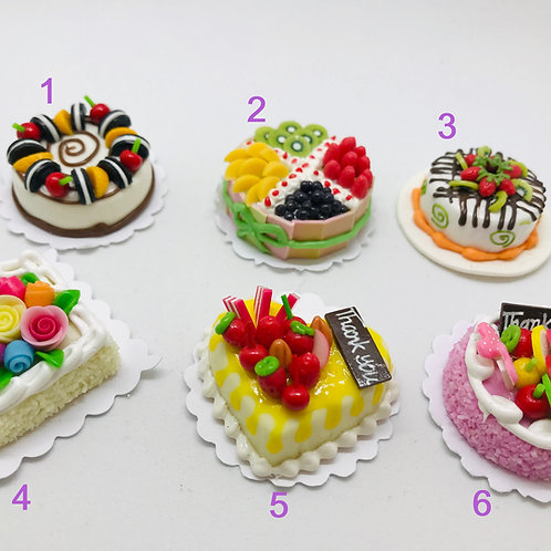 Gâteau miniature, maison de poupée