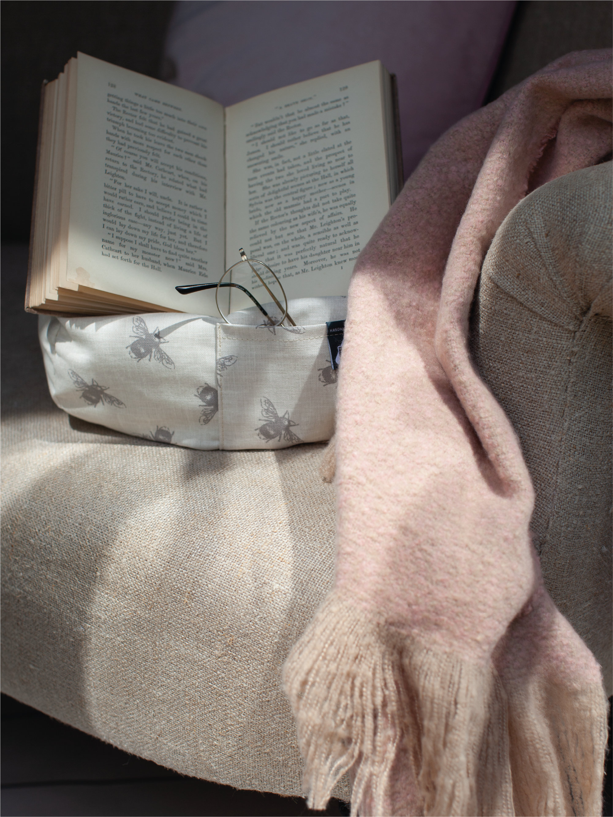 iBeanies - the cosy tablet stand