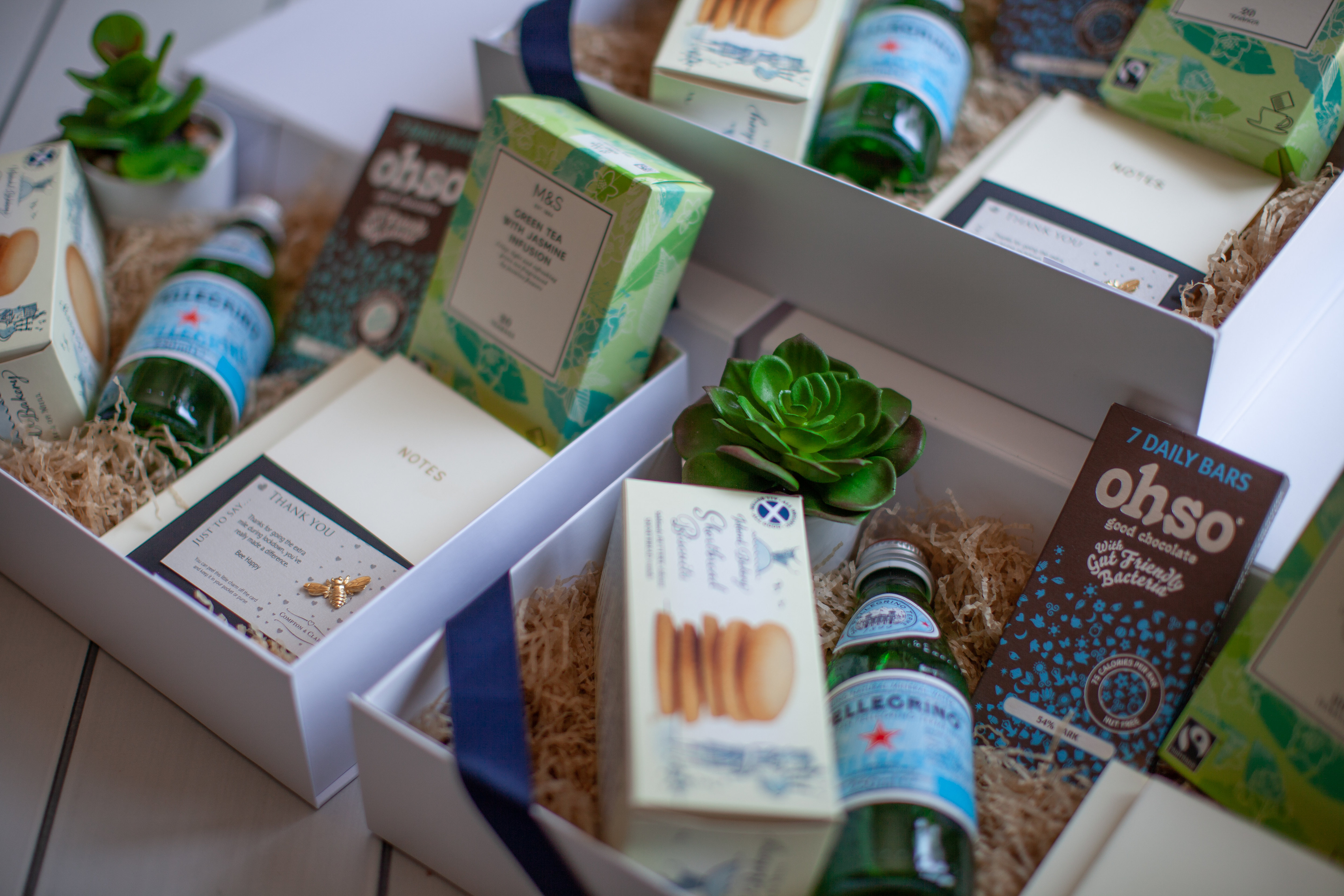 Corporate gift boxes which includes Ohso Chocolate Dark 70% cocoa - 7 bars in 1