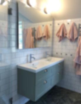 Badrum med känsla av sekelskifte, badrummet ritades och renoverades av Badrumsgruppen