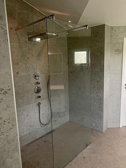Inbyggnadsblandare för dusch, Unidrain och duschvägg