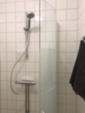 Duschrum på Kungsholmen efter renovering utförd av Badrumsgruppen