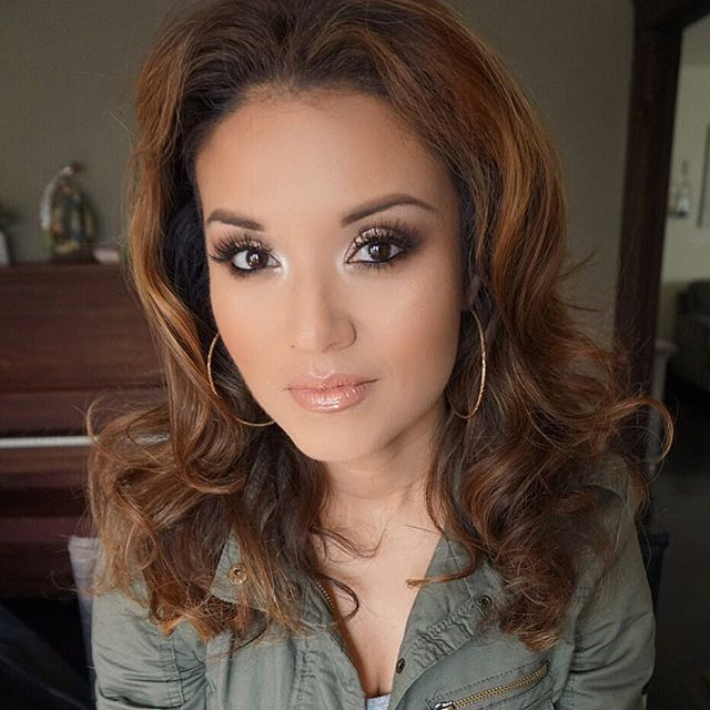 Soft glam on this beauty! 💗 I used _yslbeauty touché elcat foundation _anastasiabeverlyhills contou