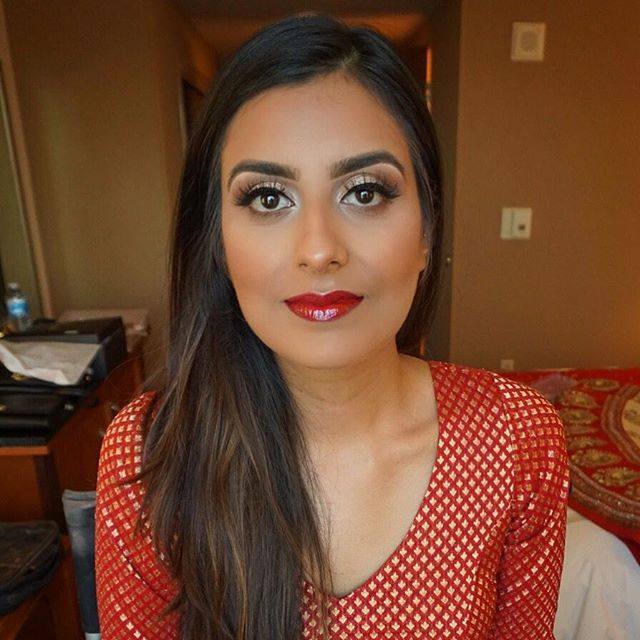 Another gorgeous bride!! 👰🏻💄 Love this lip combo!  _toofaced Melted matte _Lady Balls_ and clear