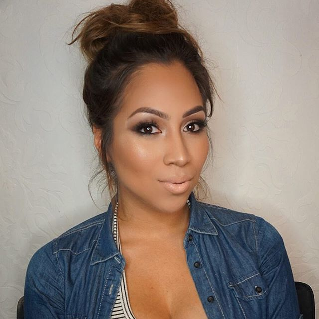 Soft smokey glam 💨 on this beauty!!_Key products_ _Foundation_ _natashadenona face glow foundation