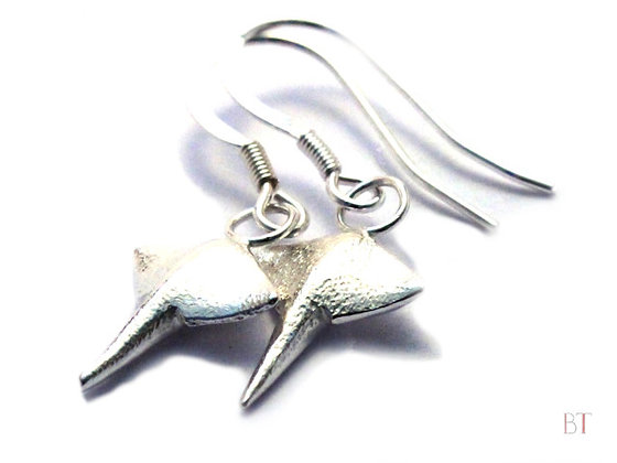 [Manta Ray Earrings]